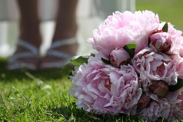 wedding-1363498_640